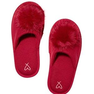 Victoria's Secret Pom Pom slipper